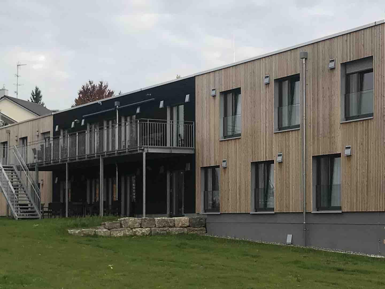 Strobel Gewerbebau _Projekt Wohngruppengebäude /Terrasse
