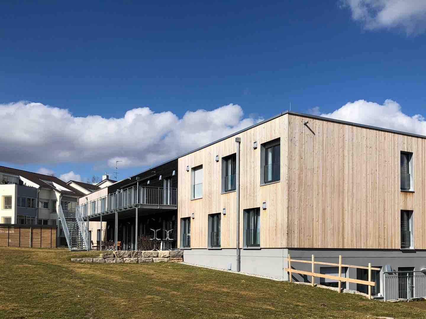 Strobel Gewerbebau _Projekt Wohngruppengebäude /Terrassenbereich